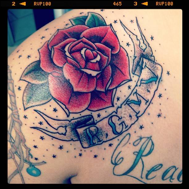 16ab04178a5c5 Banner And Rose SurroundedBy Star Tattoos