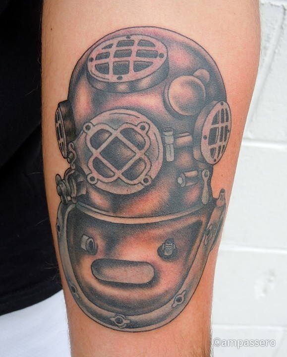 helmet tattoo perfect new diving design. Black Bedroom Furniture Sets. Home Design Ideas