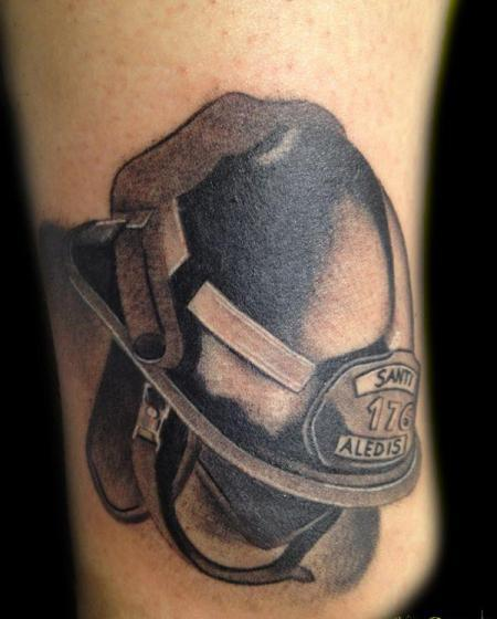 helmet tattoo realistic firefighter helmet tattooshunter com rh tattooshunter com Maltese Cross Firefighter Tattoos black helmet firefighter tattoos