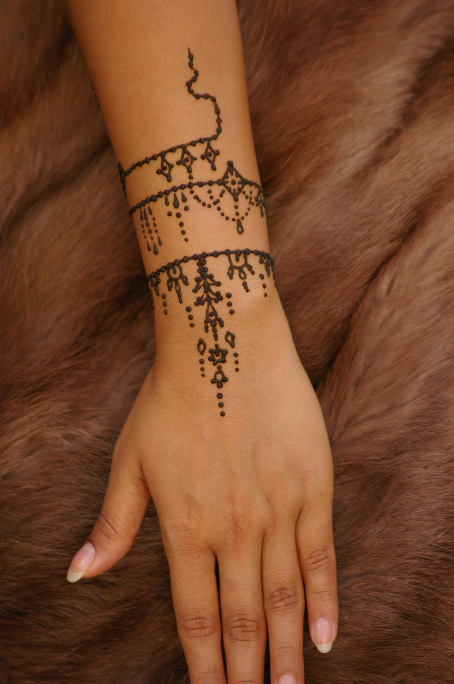 henna tattoo ideas and henna tattoo designs page 14. Black Bedroom Furniture Sets. Home Design Ideas