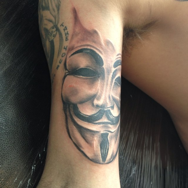 Brilliant face mask tattoo of anonymous for Face mask tattoo