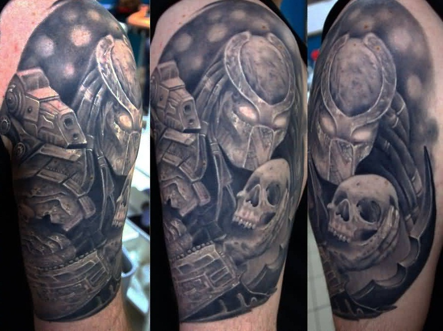 Outstanding Alien Predator Tattoo With Skull
