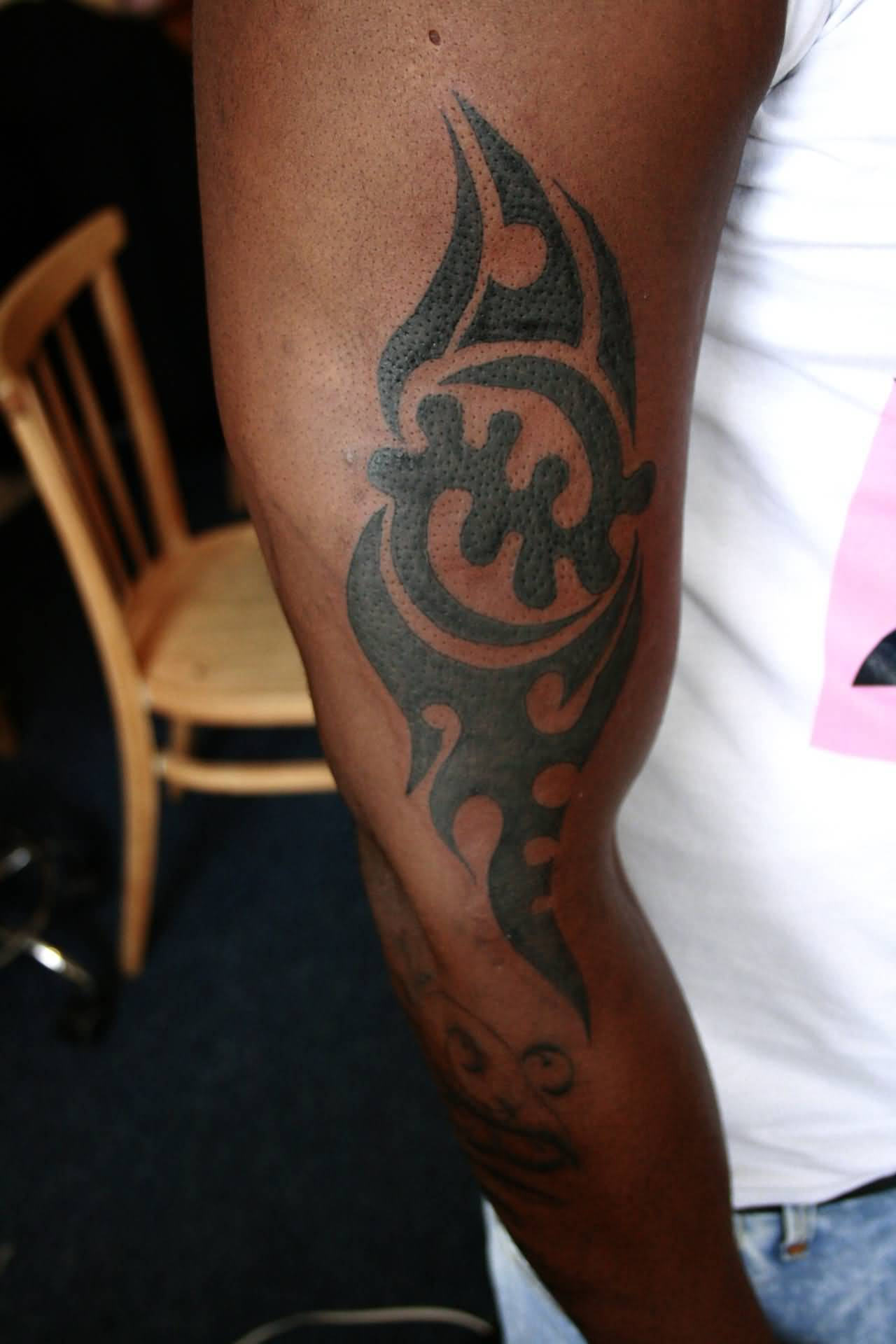 Wonderful Gye Nyame Tattoo Of African Symbol
