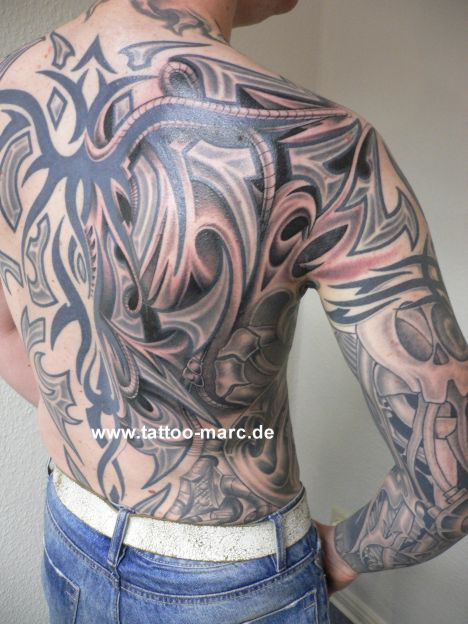 Biomechanical back tattoo ideas and biomechanical back for Cool cover up tattoos