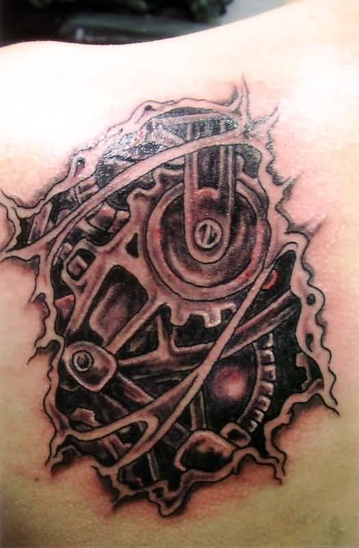 Trendy Biomechanical Tattoo Design On Back Shoulder