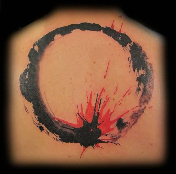 Glowing Black And Red Enso Circle Tattoo On Upper Back