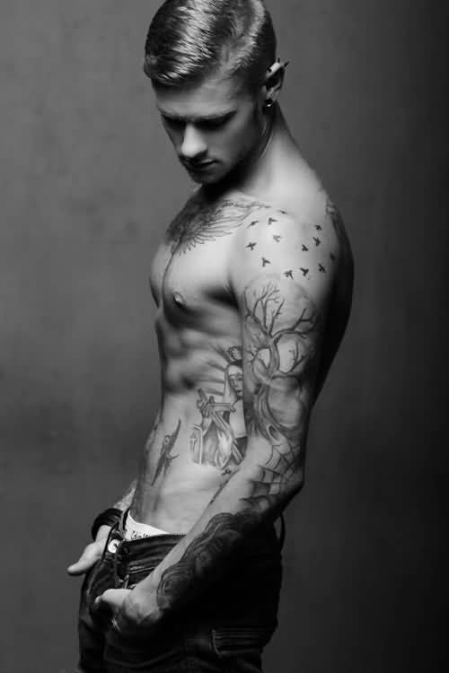 Outstanding Collarbone Tattoo Design For Handsome Men