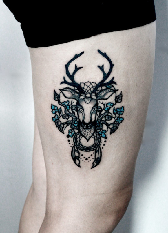 Mind Blowing Deer Face And Lovely Flowers Tattoo On Women's Side Leg
