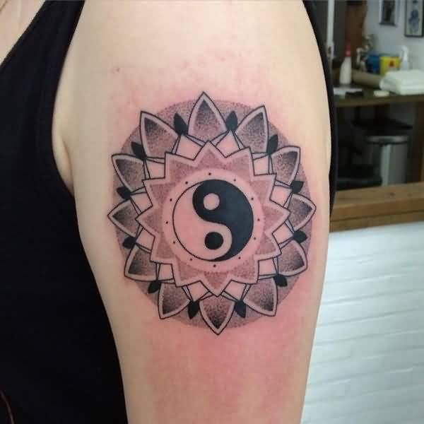 Unique Geometric  Yin Yang Tattoo Design Make On Upper Sleeve For Men