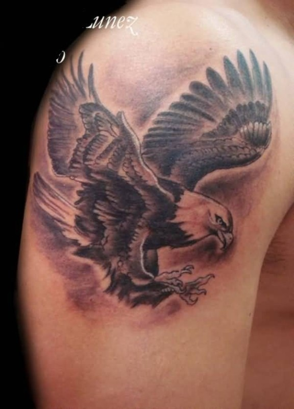 innovative upper sleeve cover up with brilliant flying eagle tattoo. Black Bedroom Furniture Sets. Home Design Ideas