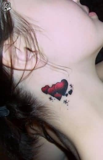 Lovely Hearts Tattoo Design Make On Women's Behind Ear