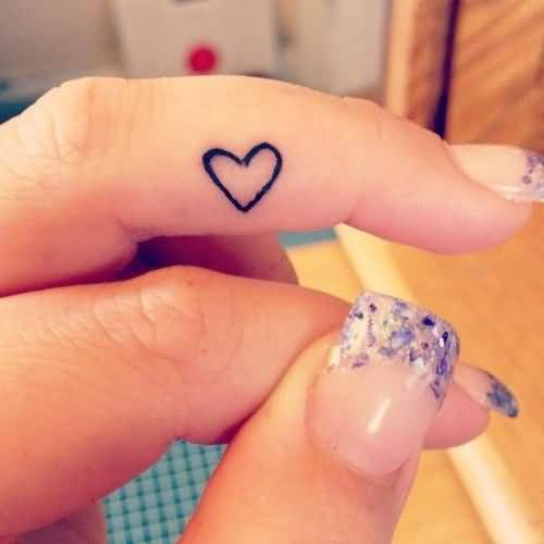 Lovely Small Heart Tattoo Design Image Make On Women's Finger
