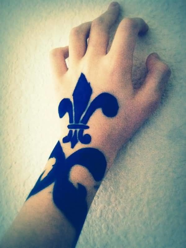 Ultimate Black Ink Fleur De Lis Tattoo For Perfect Hot Women