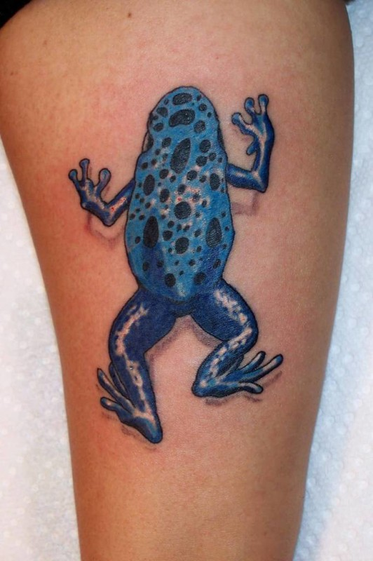 Best Ever 3D Crawling Blue Frog Tattoo Image