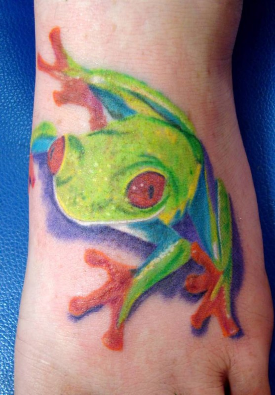 Brilliant Foot Decorated With Ultimate Frog Tattoo