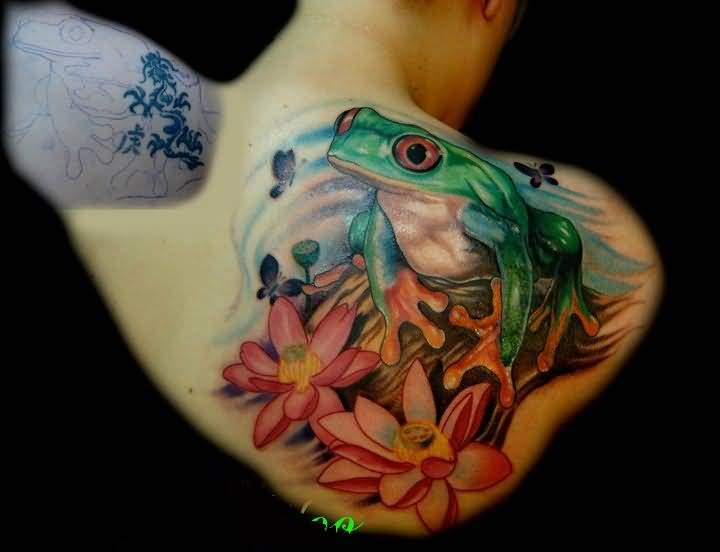 Lovely Flower And  Crazy Cool 3D Frog Tattoo On Upper Side Back