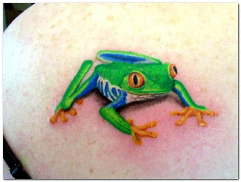 Mind Boggling 3D Frog Tattoo On Upper Back For Young Girl