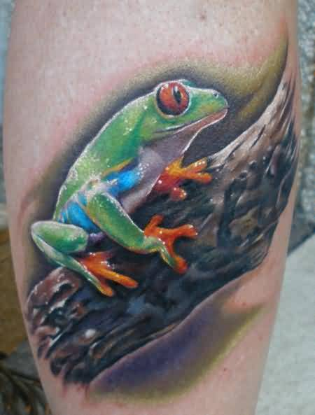Perfect Angry 3D Frog Sitting On Tree Tattoo