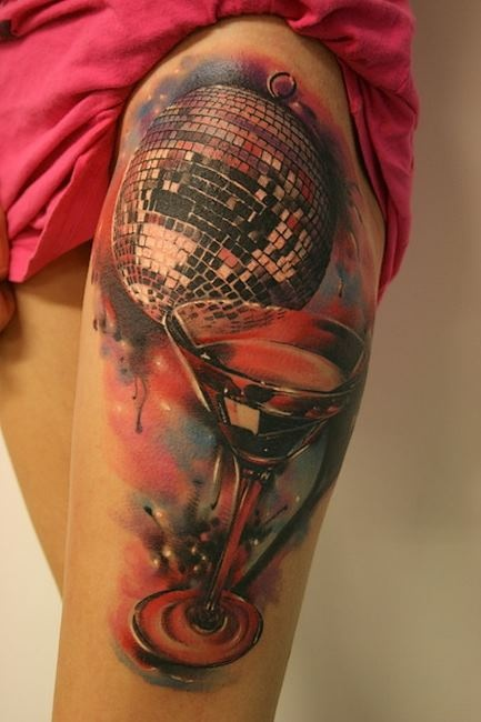 Ultimate Women Thigh Decorated With Brilliant New Water Color  Glass Tattoo