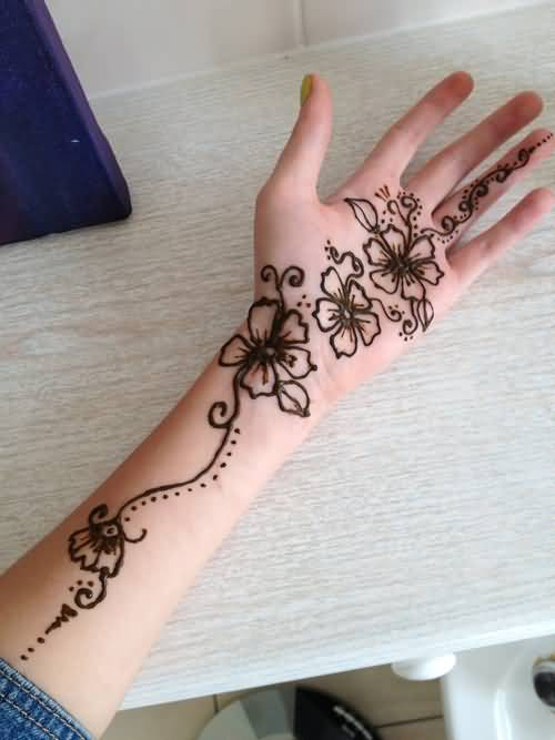 Brilliant Lower Sleeve And Hand Cover With Ultimate Henna Tattoo