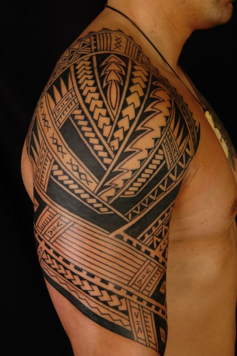 Fantastic Half Sleeve Polynesian Tattoo Design For Cool Men