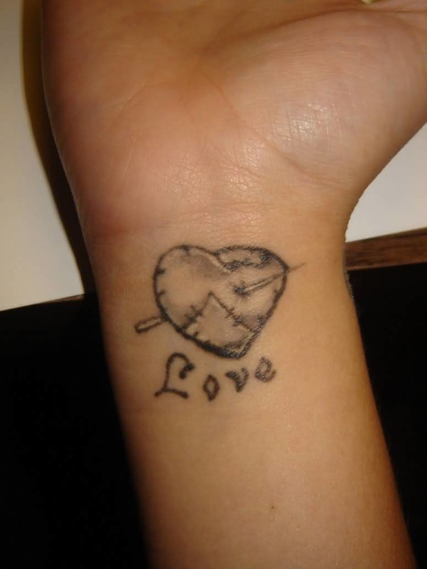 Simple Heart Tattoo Ideas And Simple Heart Tattoo Designs Page 3