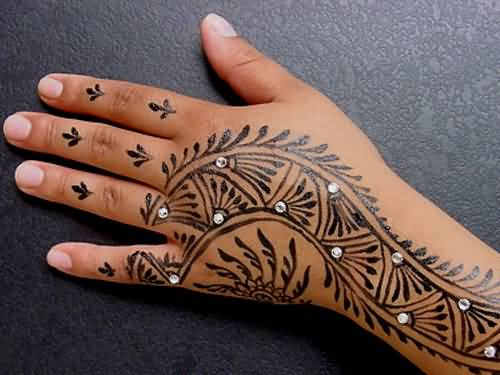 Lovely Simple Henna Tattoo Design For Cool Hand