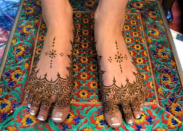 Lovely Simple Henna Tattoo Design Image Make On Women's Foot