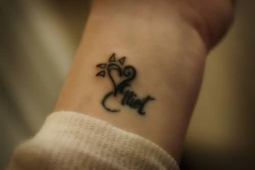 Nice Simple Small Heart Tattoo Design Image