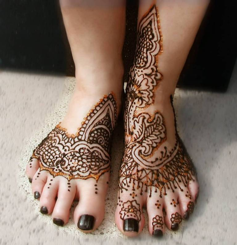 Outstanding Classy Henna Flower Tattoo Design Image Make On Foot