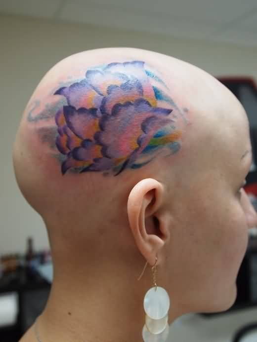 Pretty Hot Women Show Simple Amazing Flower Tattoo Design For Side Head