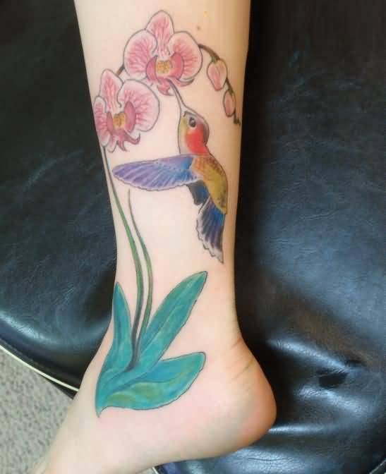 famous duck and colorful feminine flowers tattoo image on women s leg to foot. Black Bedroom Furniture Sets. Home Design Ideas