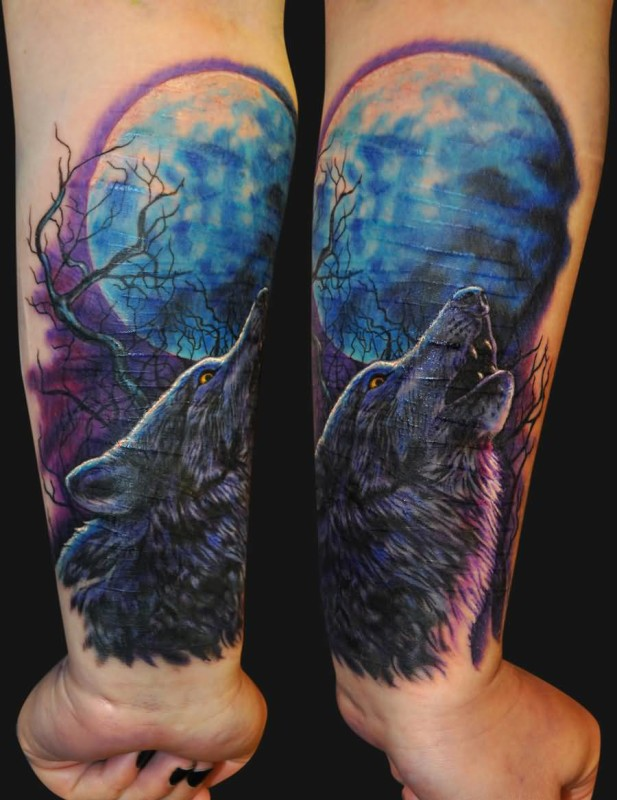 Black Nail Stylish Girl Show Black TRee With Roaring Angry Wolf Tattoo
