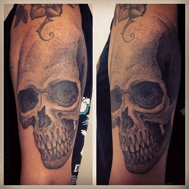 Dotwork Amazing Skull Tattoo Design Idea